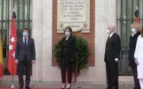 Personalidades en el homenaje a los héroes del 2 de mayo (Foto: Comunidad de Madrid)