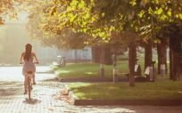 Hacer ejercicio físico es una de las recomendaciones de la SEN para cuidar la salud renal (Foto. Freepik)
