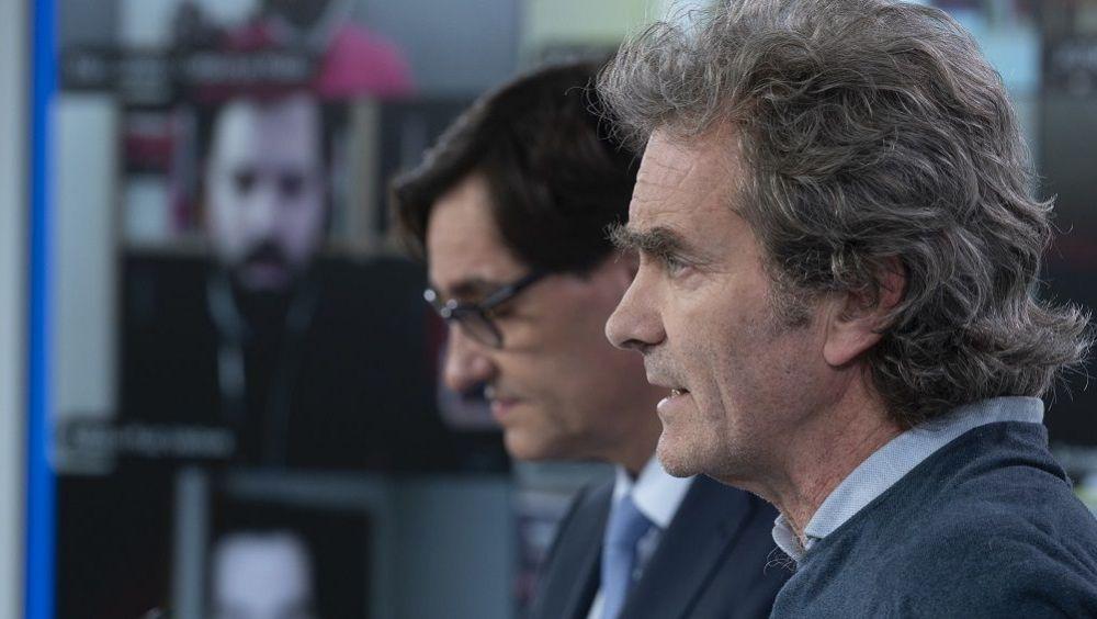 Fernando Simón, director del CCAES, y Salvador Illa, ministro de Sanidad  (Foto. Pool Moncloa / Borja Puig de la Bellasaca)