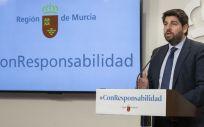 Fernando López Miras, presidente de la Región de Murcia, en rueda de prensa (Foto. Gobierno de Murcia)