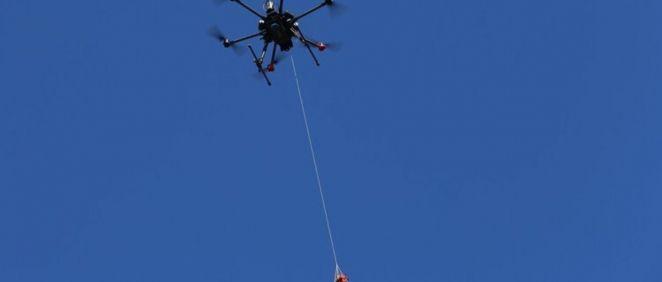 Dron con desfibrilador (Foto. Everdrone)