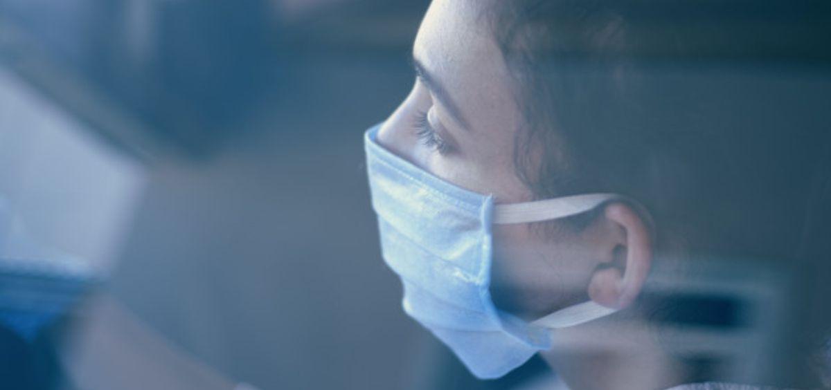 Paciente con mascarilla (Foto. Freepik)