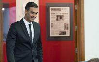 El presidente del Gobierno, Pedro Sánchez, a su llegada a la sala de prensa (Foto: La Moncloa)