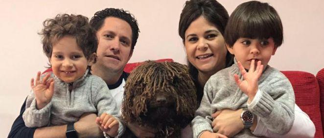 Ernesto y Jennifer, creadores de Autism 4 Good junto a sus hijos (Foto. Autism for Good)