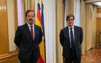El presidente de ASPE, Carlos Rus, y el Ministro de Sanidad, Salvador Illa (Foto. ASPE)