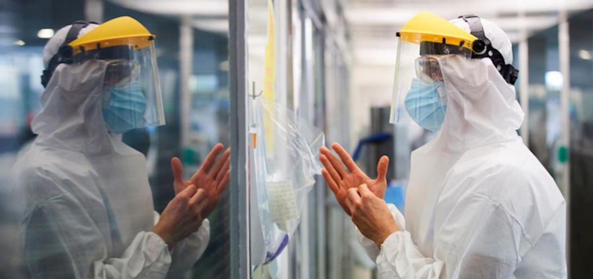 Profesional sanitario en primera línea frente a la Covid 19 (Foto. FPA)