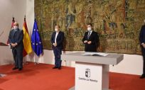 Momento de la firma del Pacto. (Foto: C-LM)