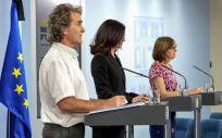 El director del CCAES, Fernando Simón; Raquel Yotti, directora del ISCIII y Marina Pollán, directora del CNE. (Foto. La Moncloa)