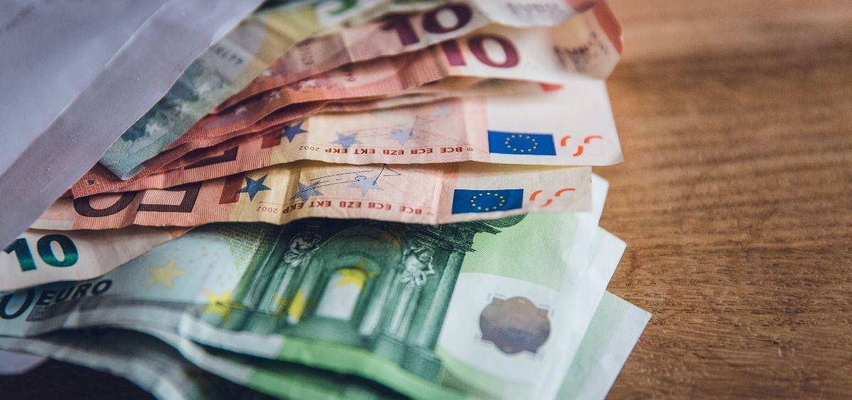 Salario en euros. (Foto. Unsplash)