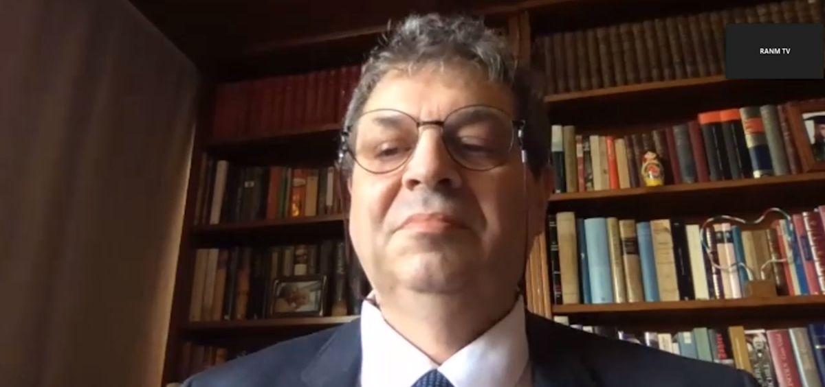 El profesor Antonio López Farré, durante su intervención