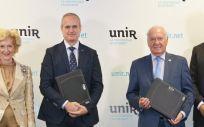 Firma del acuerdo formativo entre el CGE e Isfos de UNIR (CGE)
