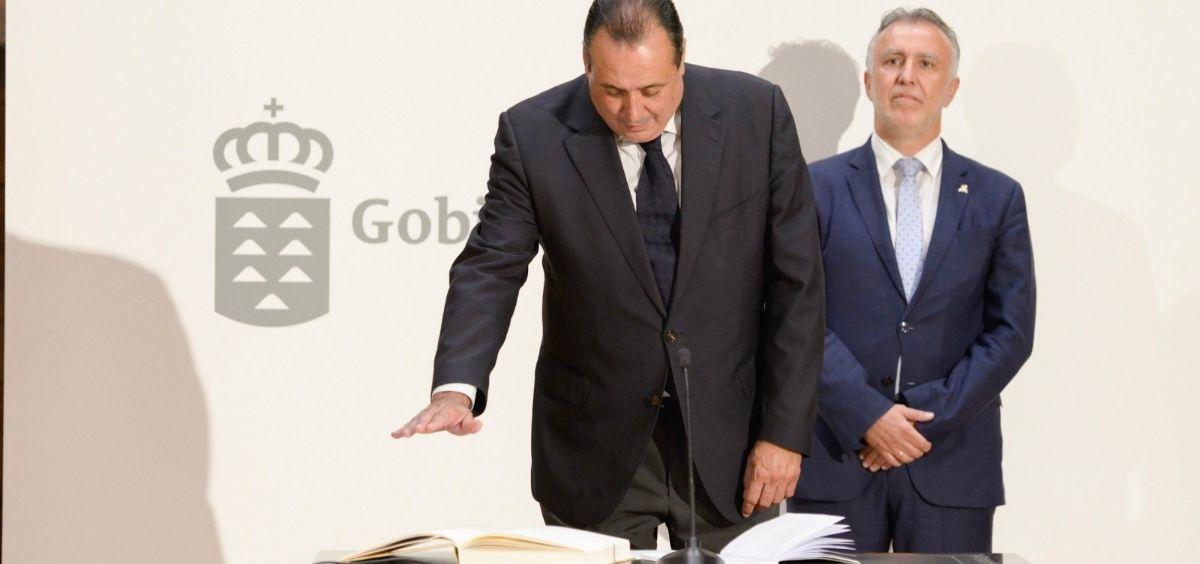 Blas Trujillo en la toma de posesión de su cargo como consejero de Sanidad. (Foto. @SanidadGobCan)