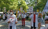 Imagen de una concentración de CESM ante el Ministerio de Sanidad. (Foto. CESM)