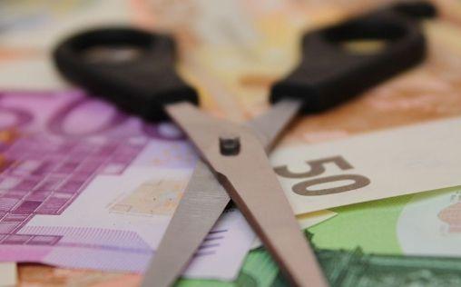 El 'tijeretazo' a las pagas extras de los médicos: 13.250 euros de recortes en 10 años