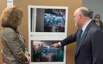 Exposición Hospital Povisa   Vigo. Alberto de Rosa y Elisa Tarazona. (Foto. Ribera Salud)