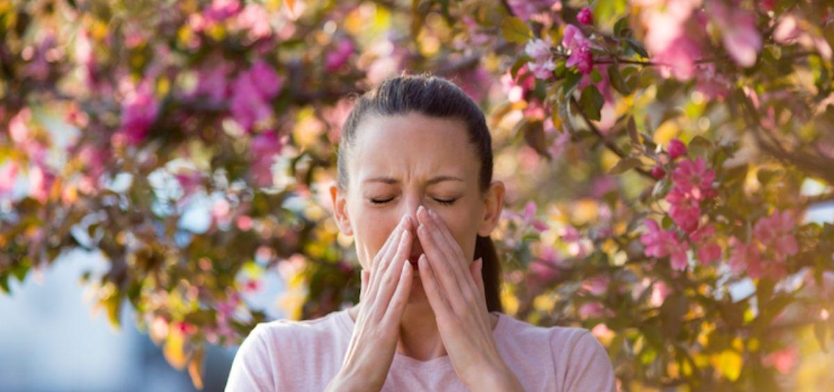 Mujer con alergia (Foto. ConSalud)