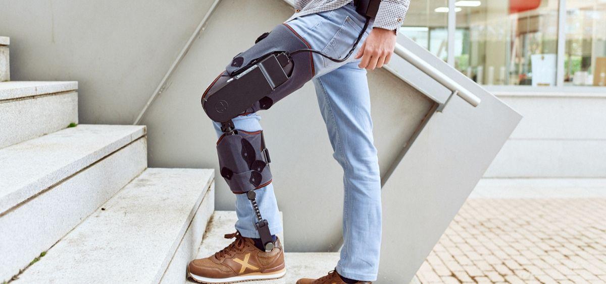 Paciente con la tecnología MAK Active Knee (Foto. CSIC)