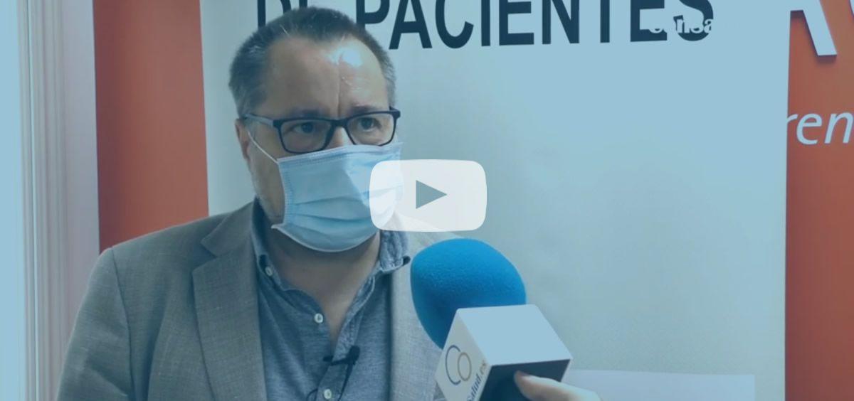 El doctor José Luis Baquero, director y coordinador científico del Foro Español de Pacientes, atiende a ConSalud TV (Foto: ConSalud.es)