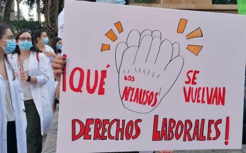 Huelgas de los MIR: Se movilizan por todo el país para reclamar mejoras laborales