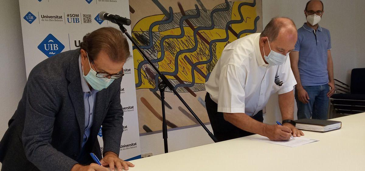 Firma del acuerdo de colaboración (Foto. Gobierno de Baleares)