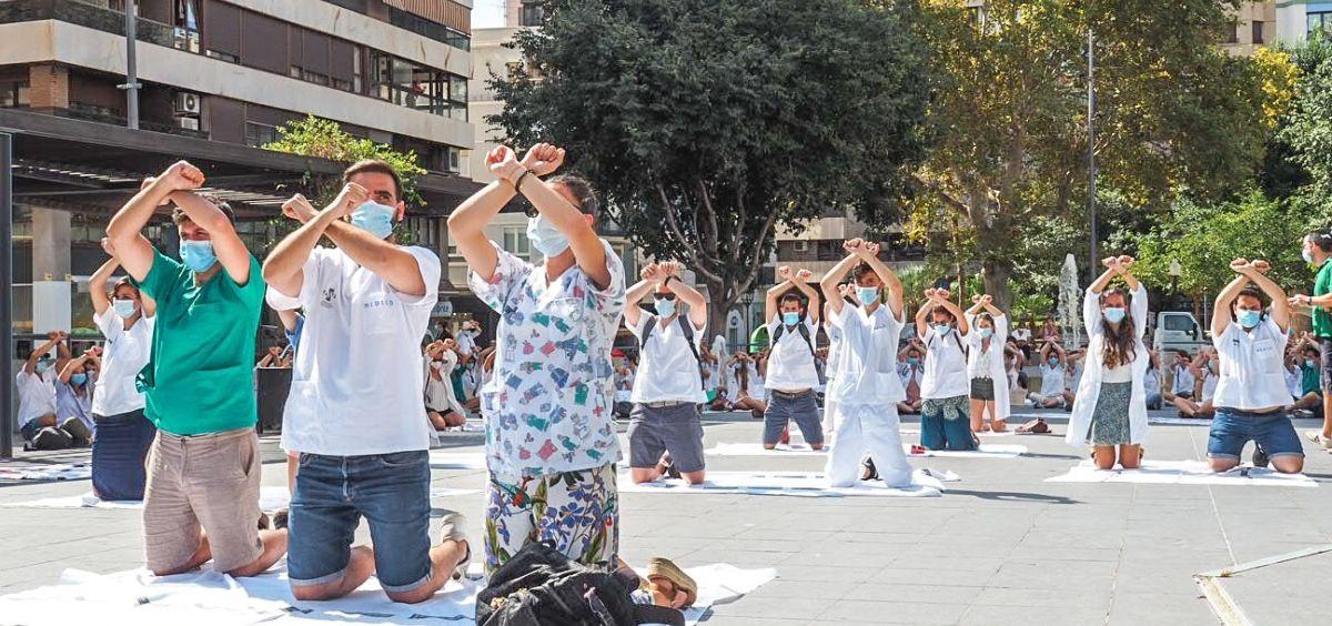 Protesta de los MIR en la Comunidad Valenciana. (Foto. @HuelgaMIRCV)