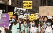 Participantes portan pancartas reivindicativas en una manifestación de los MIR. (Foto. Eduardo Parra / Europa Press)