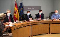 Los ministros de Sanidad y Agricultura, Salvador Illa y Luis Planas, durante la reunión con las CC.AA. (Foto: @mapagob)