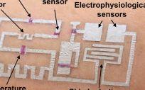 Desarrollan una forma de escribir circuitos electrónicos directamente sobre la piel. (Foto. Universidad de Houston)