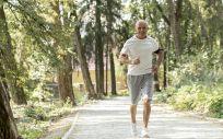 Hombre mayor haciendo deporte (Foto. Freepik)