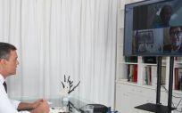 El presidente del Gobierno, Pedro Sánchez, durante la videoconferencia con el comité de seguimiento del coronavirus (Foto. Moncloa)