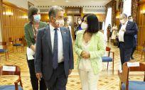 El presidente de Cantabria, Miguel Ángel Revilla, y la ministra de Política Territorial y Función Pública, Carolina Darias (Foto. Lara Revilla - Gobierno de Cantabria)