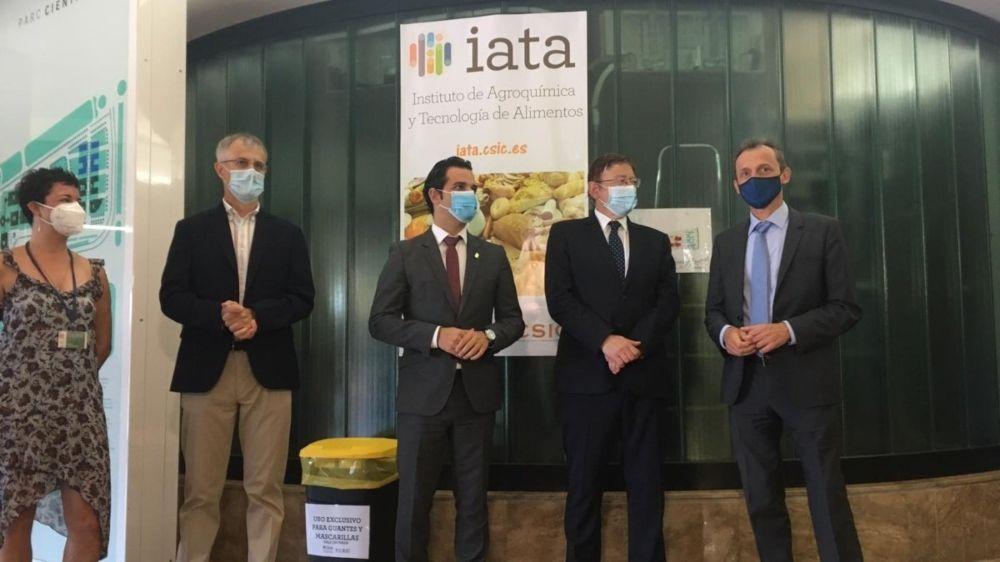 Duque y Puig conocen en el IATA CSIC la labor contra la Covid 19