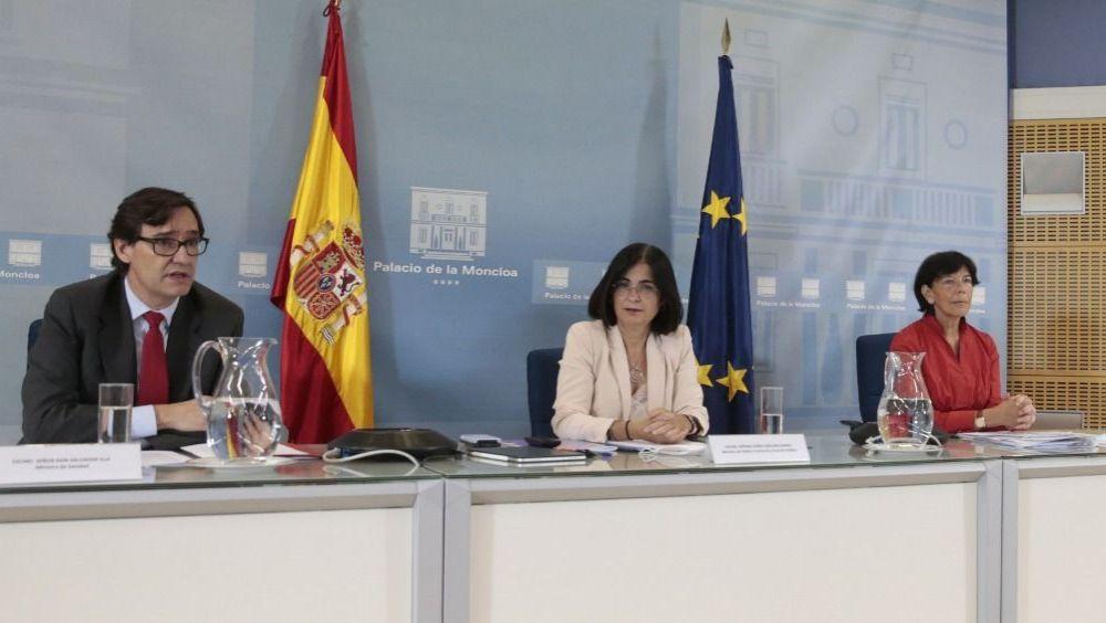 Salvador Illa, Carolina Darias e Isabel Celaa, ministros de Sanidad, Política Territorial y Educación (Foto: Pool Moncloa / José María Cuadrado)