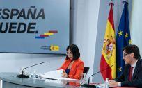 La ministra de Función Pública, Carolina Darias y el ministro de Sanidad, Salvador Illa. (Foto. Pool Moncloa / Borja Puig de la Bellacasa)