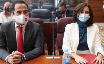 El vicepresidente y la presidenta de la Comunidad de Madrid, Ignacio e Isabel Díaz Ayuso, antes del comienzo del debate del Estado de la Región (Foto. Eduardo Parra   Europa Press)