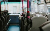 Interior de un bus urbano (Foto. Freepik)