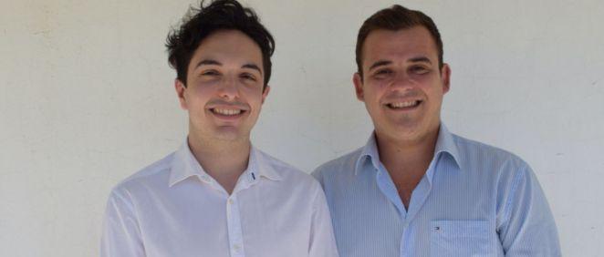 Ángel Benegas Orrego, presidente del Consejo Estatal de Estudiantes de Medicina (CEEM) junto a Antonio Pujol de Castro, expresidente de la organización. (Foto. CEEM)