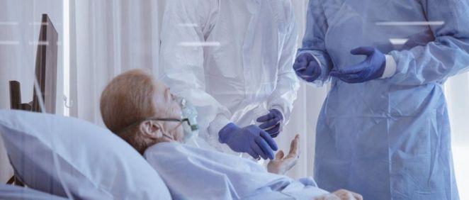 Paciente covid ingresado en un centro sanitario. (Foto. CHAYAKORN LOTONGKUM   EP)