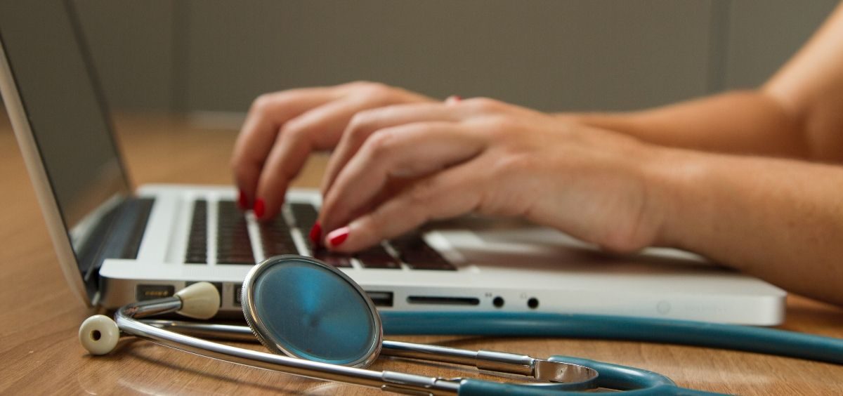 Dos tercios de los oncólogos torácicos usaron la teleconsulta por primera vez en la pandemia (Foto. Unsplash)