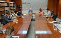 Reunión con la consejera de Sanidad de las Islas Baleares, Patricia Gómez (Foto. GOIB)
