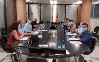 Imagen de la última reunión entre el comité de huelga y la Consejería de Sanidad. (Foto. MIR - EP)