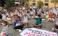 Imagen de una protesta de los MIR valencianos. (Foto. @HuelgaMIRCV)