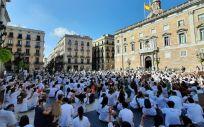 Los MIR manifestándose en Barcelona frente al Palau de la Generalitat. (Foto. MC)