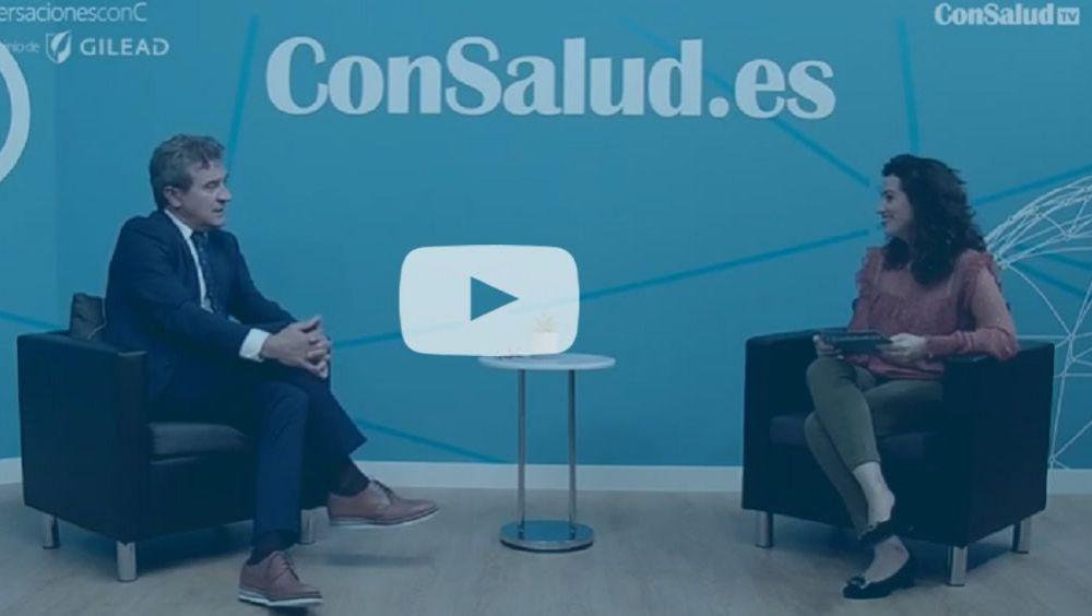 El doctor Javier Crespo, durante la entrevista para el espacio 'Conversaciones con C' (vídeo)