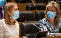 Ana Pastor y Elvira Velasco, diputadas del PP, durante la Comisión de Sanidad (Foto: Flickr GPP)