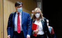 El ministro de Sanidad, Salvador Illa, junto a la portavoz de Sanidad del PSOE, Ana Prieto (Foto: Congreso)
