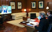 Salvador Illa y Fernando Simón hablan por videoconferencia con Roberto Speranza (Foto: Ministerio de Sanidad)