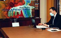 """El secretario general de Salud Digital, Información e Innovació, Alfredo González Gómez, inaugura el """"13.O Simposio anual del Instituto de Bioingeniería de Cataluña"""" (Foto. Ministerio de Sanidad)"""