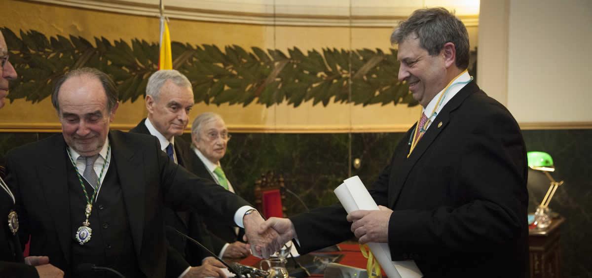 Antonio López Farré, en una foto de archivo, recibe el Premio Real Academia Nacional de Medicina de España del año 2018 (Foto: RANME)