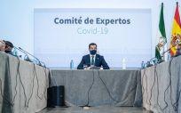 El presidente de la Junta, Juanma Moreno, este miércoles, durante la reunión del consejo asesor de alertas de salud pública de alto impacto. (Foto. Junta)